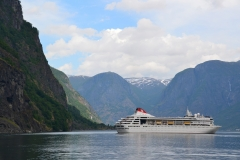 cruise_cruise_ship_ship_norway_fjord_mountains-867820!d